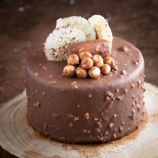 Çikolatalı Muzlu Fındıklı Pasta